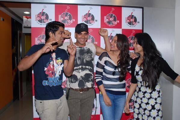Akshay And Sonakshi Promote 'Holiday' At Radio 104 FM
