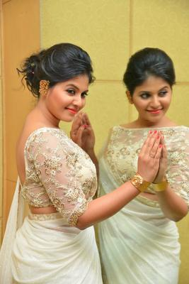 Anjali Hot Photoshoot At Geethanjali First Look Launch