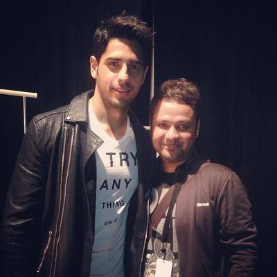 Sonakshi And Sidharth Turn Showstoppers At IIFA Rocks 2014