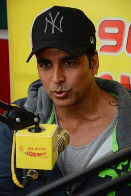 Akshay Kumar Jockeying At 98.3 FM Radio Mirchi During The Promotion Of Holiday Movie