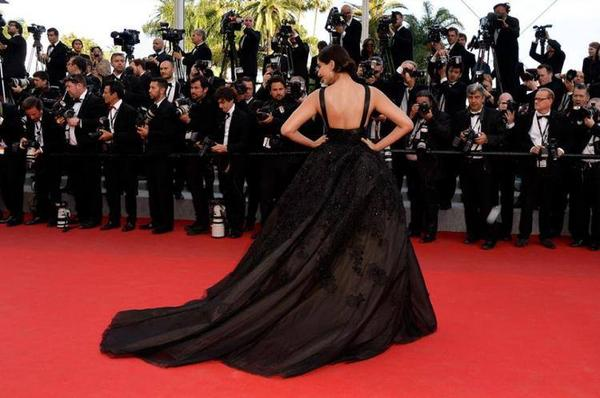 Sonam Kapoor Walks On Red Carpet In A Elie Saab Gown At 67th Cannes Film Festival