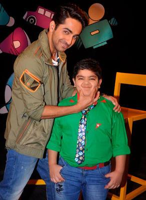 Ayushmann Fun With Host Sadhil At Captain Tiao Disney Show