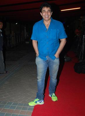 Deepak Tijori Smiling Pose In Red Carpet During The Raja Natwarlal Movie Wrap Up Party