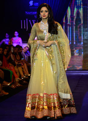 Sridevi Walked The Ramp For Golecha Jewels At IIJW 2014
