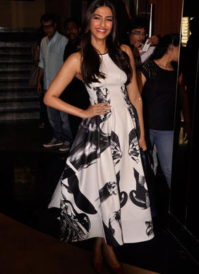 Beauty Queen Sonam Kapoor At Khoobsurat Trailor Launch