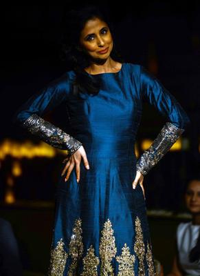 Urmila Matondkar Showstopper For Designer Manish Malhotra At ICW 2014