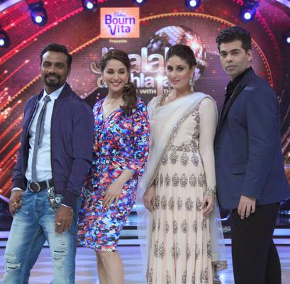 Remo,Kareena,Madhuri And Karan Posed For Camera During The Promotion Of Singham Returns On The Sets Of Jhalak Dikhhla Jaa 7