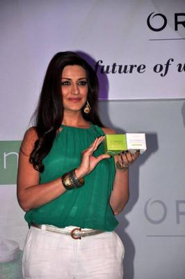 Stunning Sonali Launch A Beauty Product Oriflame Ecollagen In Mumbai