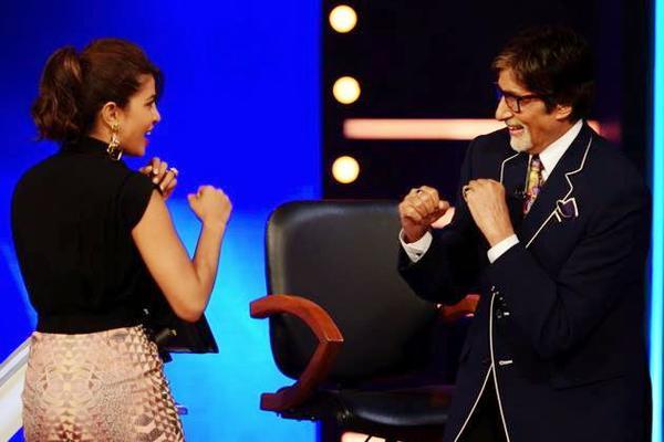 Priyanka Chopra Promotes Mary Kom On KBC Season 8
