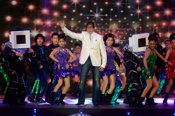 Mega Star Amitabh Shakes His Legs At Grand Premiere KBC
