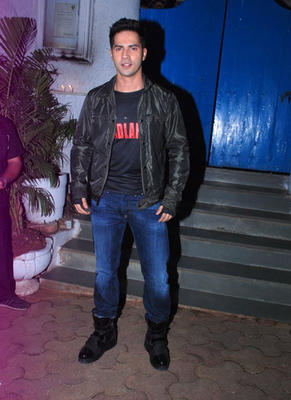 Bollywood Stars At Badlapur Wrapup Bash 2014