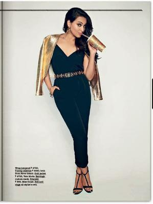 Sonakshi Sinha Drinks Juice For Juice Magazine Of Jabong