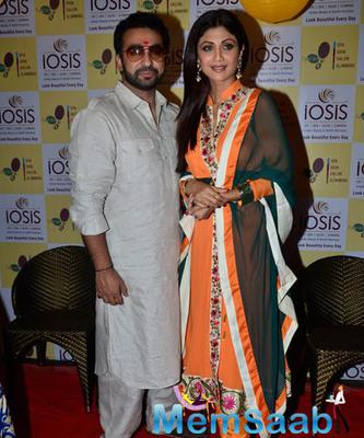 Sweet Couple Shilpa Shetty And Raj Kundra At Her Spa Launch In Chembur