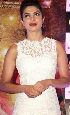 Priyanka Chopra Red Lippy Gorgeous Look At The Promotion Of Mary Kom In Gold Gym