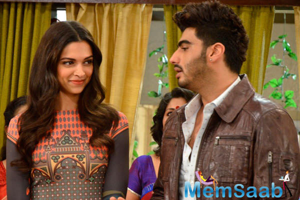 Deepika And Arjun On The Sets Of  Much Loved Show Ye Hai Mohabbatein To Promote Finding Fanny