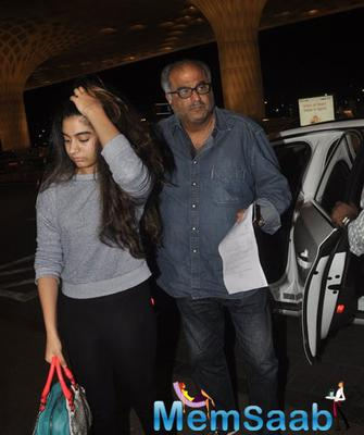 Sridevi And Boney Kapoor Snapped With Their Daughters At Mumbai Airport