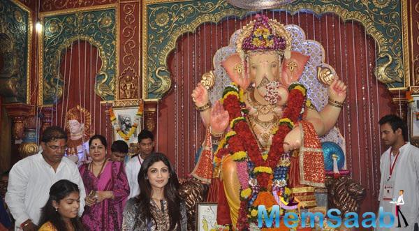 Shilpa Shetty Visits In Andheri Cha Raja Ganpati