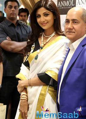 Shilpa Shetty Attended A Jewellery Store Launch In The Capital