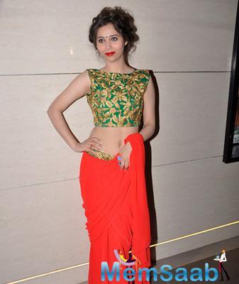 Sasha Looks Hot In Saree At Fun Republic Theater Desi Kattey Special Screening