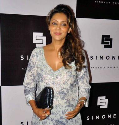 Gauri Khan Dazzling Hot Look During Simone Arora Store Launch Event