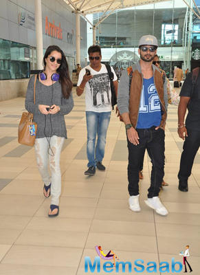 Shraddha And Shahid Spotted At Mumbai Airport
