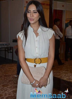 Kim Sharma At Helping Hands Exhibition 2014