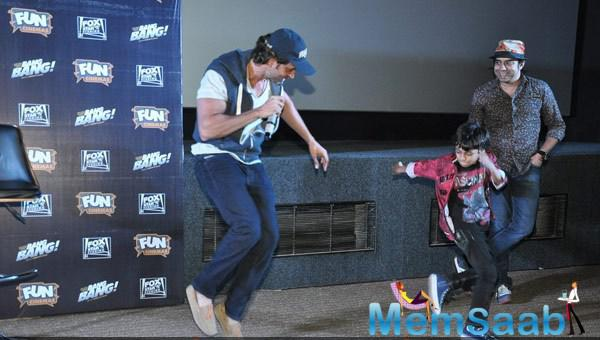 Hrithik Roshan Danced With A Kid At The Special Screening Of Bang Bang For Kids