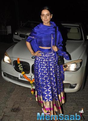 Kangana Ranuat Posed For Camera During Aamir Khan 2014 Diwali Bash