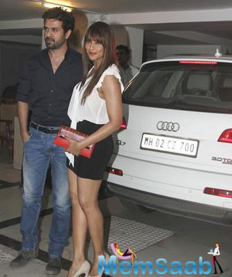Bipasha Basu And Harman Baweja Spotted With Bipasha Audi Q7 Car