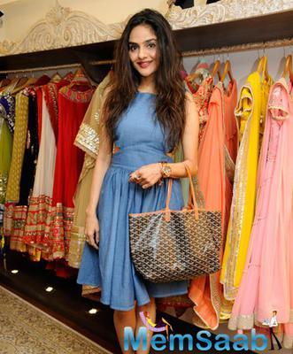 Kajol At Malaga Flagship Store In South Mumbai