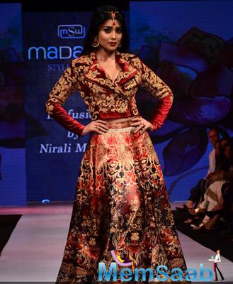 Shriya Saran On Ramp At The Madame Style Week 2014