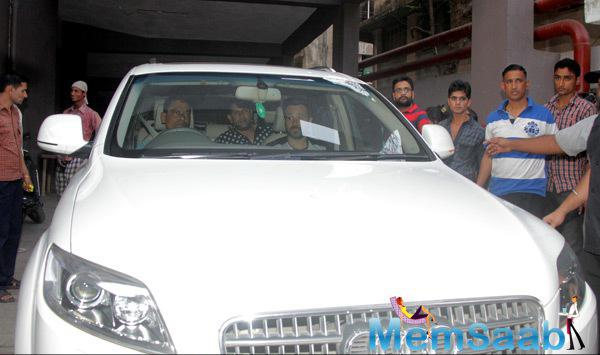 Emraan Hashmi Snapped With His Audi Q7 Car At Film Ungli Promotions