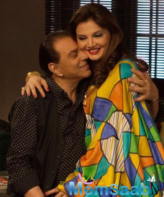 Crackling Chemistry Between Dharmendra And Deepshika Nagpal