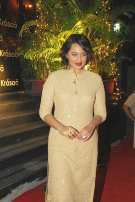 Bolly Celebs Grace At Vikram Phadnis Fashion Store Krasaa Launch