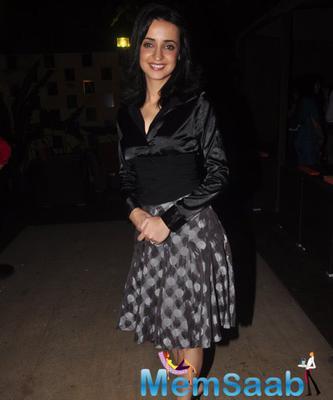 Beautiful Sanaya Irani Smiling Pose During Main Aur Mr. Riight Movie Bash