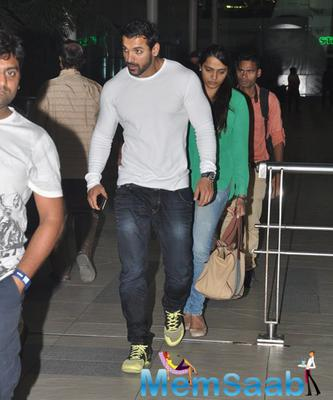 John Abraham Snapped At Airport With His Wife Richa