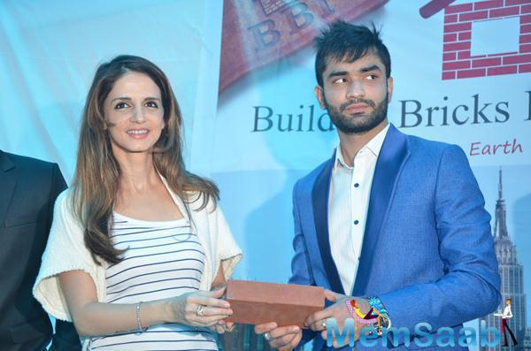 Stars At Building Bricks Store Launch