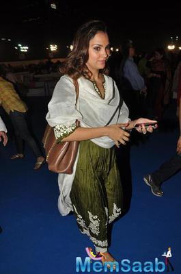 Lara Dutta At Art Of Living Event