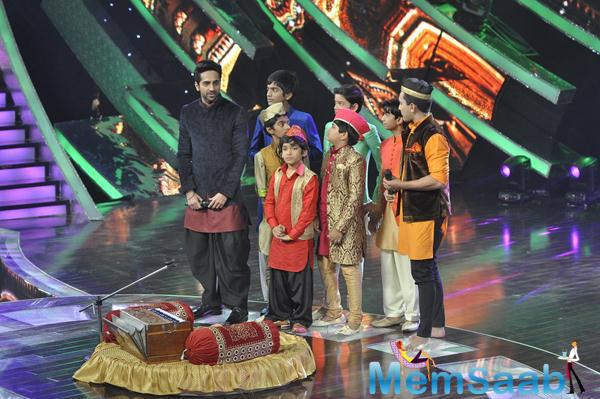 Ayushmann Promotes Hawaizaada On Sa Re Ga Ma Li'l Champs