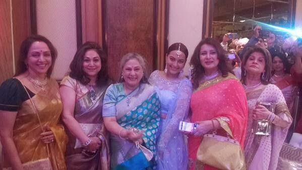 Hema Malini,Jaya Bachchan,Sonakshi Sinha And Poonam Dhillon Posed For Camera At Sonakshi Sinha Brother Wedding Ceremony