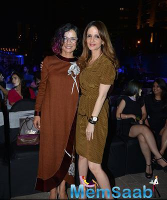 Adhuna Bhabani Akhtar And Sussanne Khan Posed For Camera At Good Homes Awards 2014