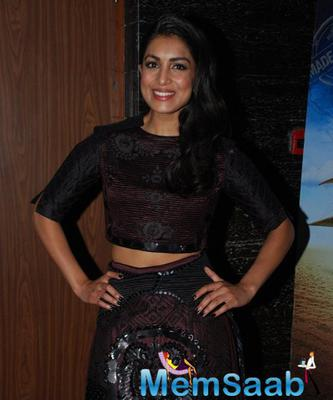 Pallavi Sharda Flashes Smile During The Special Screening Of Hawaizaada Movie