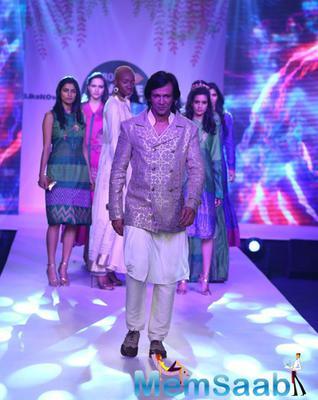 Kay Kay Menon Showstopper For Designer Rahul Singh At Jabong Online Fashion Week 2015