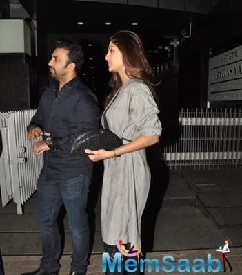 Shilpa Shetty Snapped With Her Husband Raj Kundra At Hakkasan