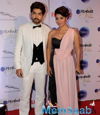Gurmeet Choudhary And Wife Debina Bonnerjee Posed At The Ciroc Filmfare Glamour And Style Awards 2015
