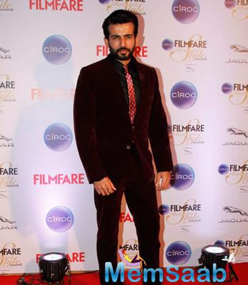 Jay Bhanushali Posed For Camera At The Ciroc Filmfare Glamour And Style Awards 2015
