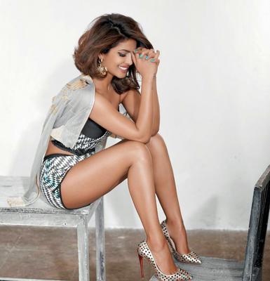 Cool Priyanka Chopra Sexy Pose Shoot For Cosmopolitan India Magazine March 2015 Issue