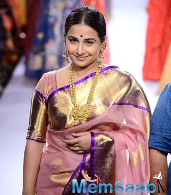 Vidya Walks The Ramp As Showstopper For Gaurang At LFW Summer/Resort 2015
