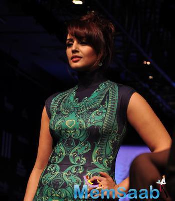 Huma Qureshi Walks The Ramp Showstopper At LFW Summer Resort