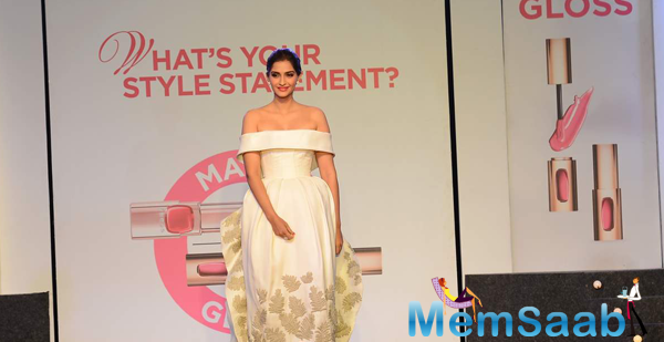 Sonam With L'oreal Paris Unveil Matte Or Gloss As The Beauty Trend For Cannes 2015